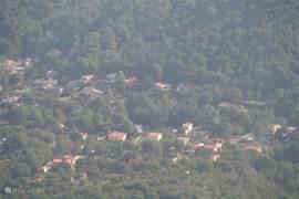 Uitzicht vanaf Monte Garbi op Villa Willy