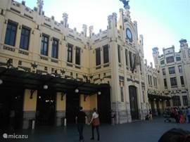 Station del Norte in Valencia de moeite waard om eens te bekijken.