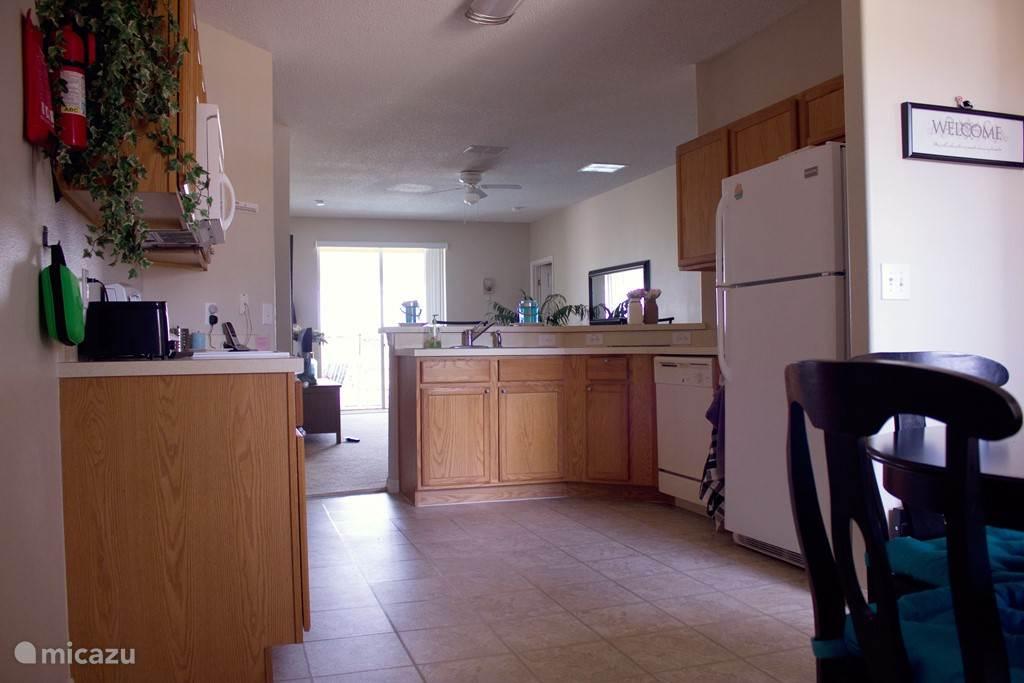 De keuken is ruim voorzien van alle benodigde apparatuur