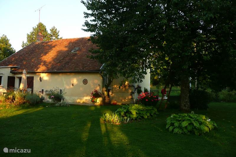 Vacation rental France, Nièvre, Mouvent Holiday house La Marquise