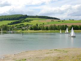 Diemelsee and other reservoirs in the Sauerland offer plenty of water sports.
