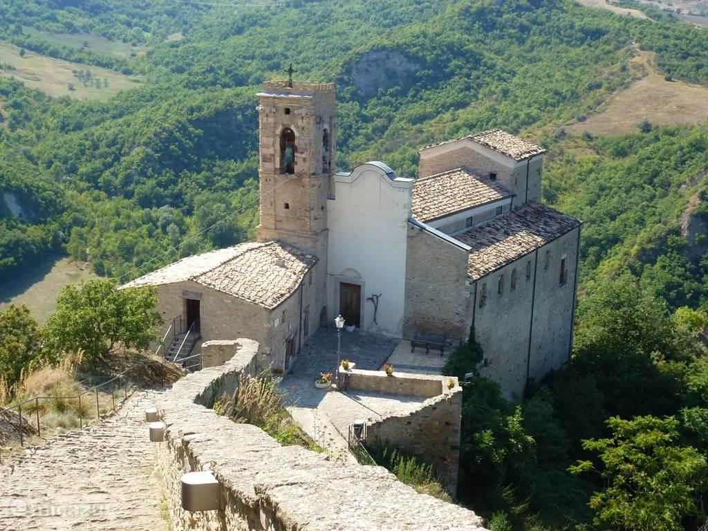 The medieval treasures of Abruzzo, in Roccascalegna