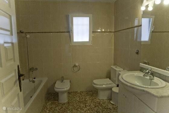 grote badkamer boven