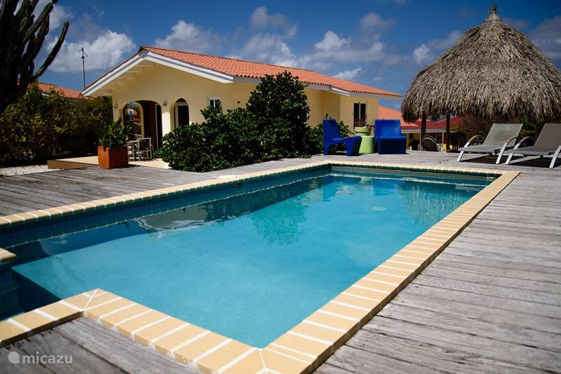 Vacation rental Curaçao, Banda Abou (West), Fontein Bungalow Bungalow with pool/jacuzzi Prikichi