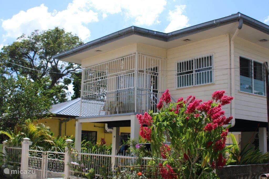 Vakantiehuis Suriname, Paramaribo – geschakelde woning Casa Solarida:aantrekkelijk geprijsd
