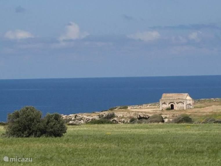 Cultuur en natuur gaan hand in hand op Noord Cyprus - en de zee is nooit ver weg.