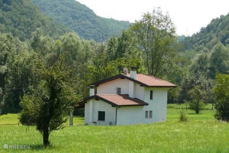Vakantiehuis Italië, Friuli-Venezia Giulia, Castelnovo del Friuli Vakantiehuis Casa Almadis