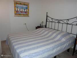 slaapkamer 2 met 1 tweepersoonsbed en 2 inbouwkasten slaapkamer 3 2x eenpersoonsbedden en 2 inbouwkasten