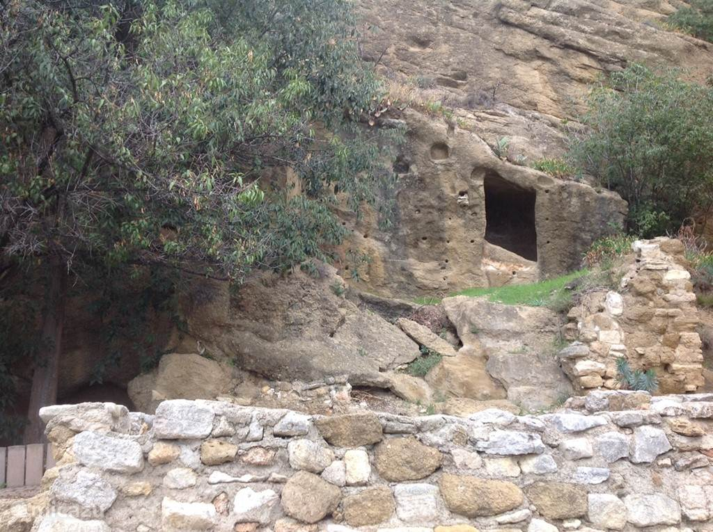 A cave house next to La Ruine
