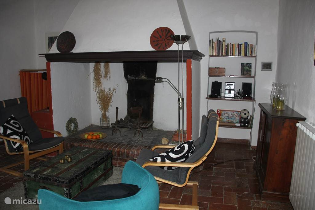 Woonkamer in authentieke Toscaanse stijl