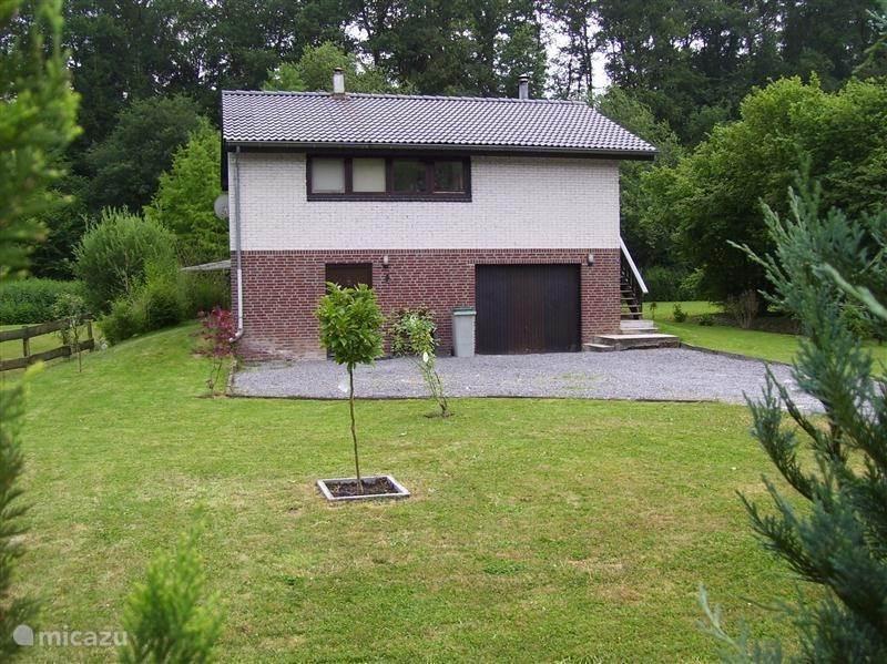 Voorkant/tuin Huis