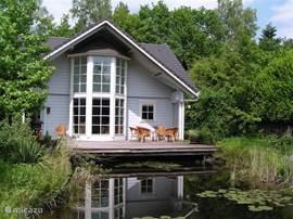 Luxe vrijstaand Fins Chalet geschikt voor 8 personen met grote veranda...