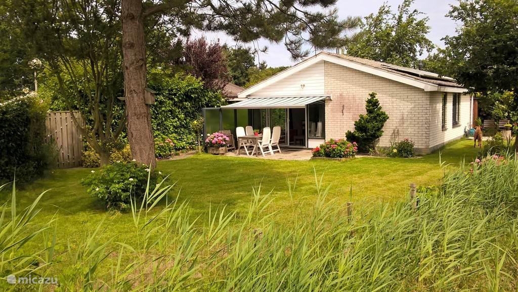 Vacation rental Netherlands – holiday house Zee-Manski