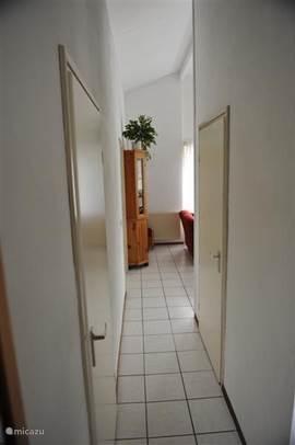 Gangetje.. lekker hoog plafond in het gehele huis.. dus veel ruimte