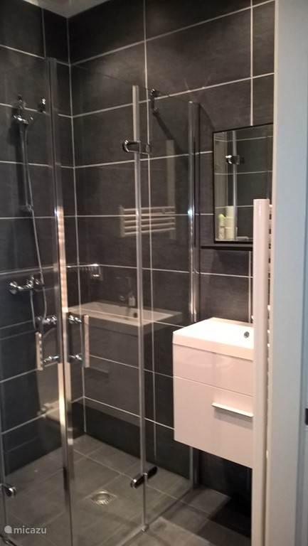 Nieuwe luxe badkamer...