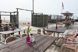 Strandpaviljoen Sint Maartenszee, heel gezellig..en altijd open