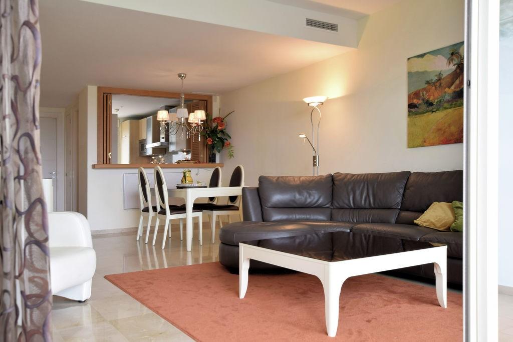 La Cala Golf Resort ruime familievilla aan de Costa del Sol. Vlakbij strand en onbelemmerd uitzicht op golf, bergen en zee. Lastminute korting 15%