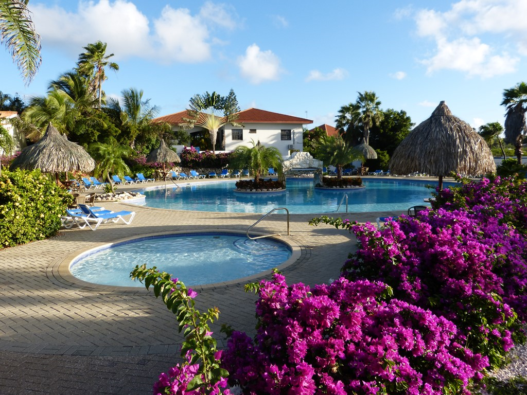 Speciale korting van 5-30 maart op compleet en goed onderhouden 2- kamer appartement in veilig en rustig Resort Seru Coral. Nu voor €35,- per dag.