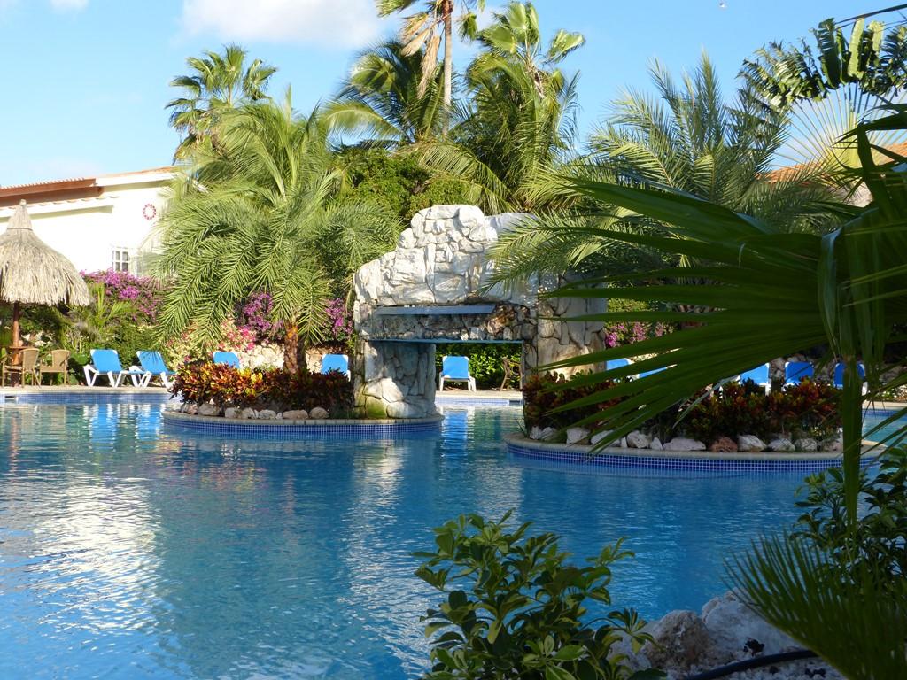 Van €40,- voor slechts €28,- compleet ingericht 3-persoons  2 kamer-appartement in resort op Curacao.  Wifi, airco en gratis ligbedden bij zwembad.