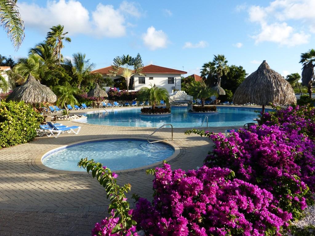 Heerlijk 2-3 persoons appartement op de begane grond in veilig resort. Compleet ingericht met gratis prachtig zwembad. In juni voor €30,- per nacht.