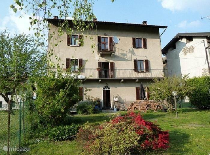Vakantiehuis Italië, Italiaanse Meren, Cunardo Villa Casa con Ringhiera