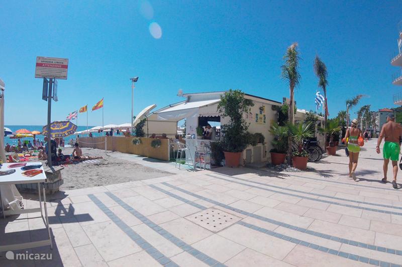 Vakantiehuis Italië, Ligurië, Borghetto Santo Spirito Vakantiehuis Autenthiek Italiaans Huis bij strand