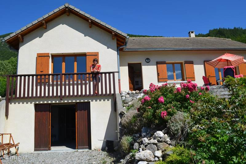 Vacation rental France, Haute Alpes, Aspres-lès-Corps Holiday house Myage