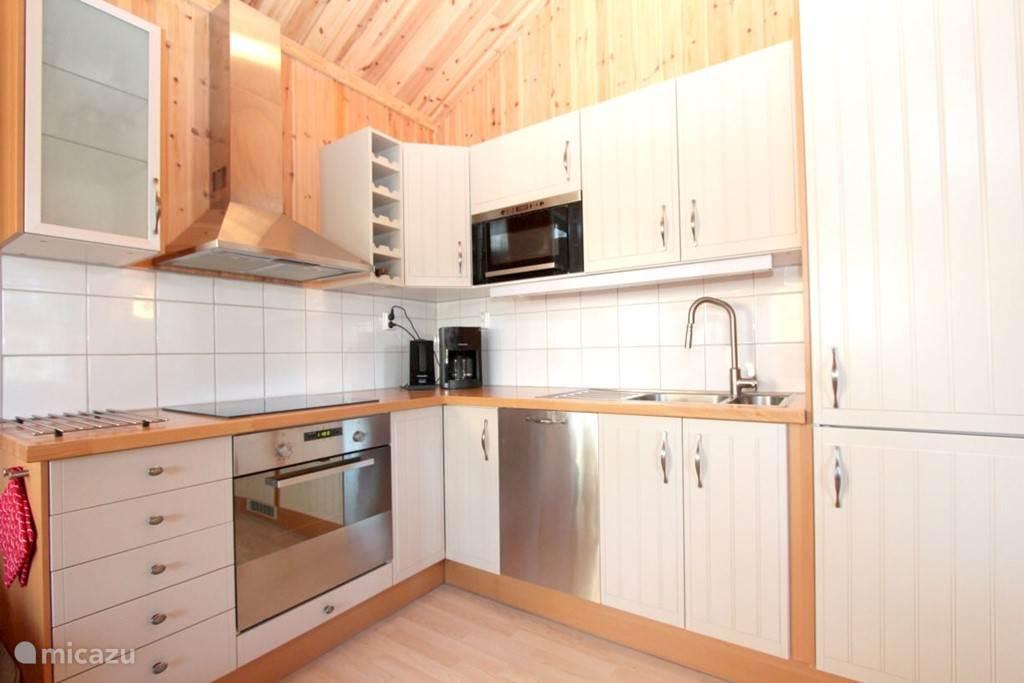 Keuken compleet en van alle gemakken voorzien