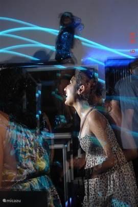 In Kumkoy en Side zijn er diverse discotheken, 'Lighthouse' op oud Side (foto) is zelfs gedeeltelijk in de open lucht.