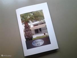Een handige brochure ligt voor u klaar, deze bevat informatie over het complex, het appartement, de omgeving, bezienswaardiheden etc. Een kleurrijke plattegrond van Side en omgeving is als wegwijzer op het middenblad opgenomen.