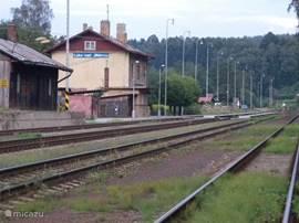 Het station van Luka vanwaar je met de boemeltrein naar Jihlava of naar Trebíc met UNESCO-monument kunt reizen.