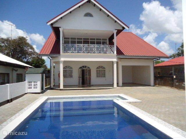 Vacation rental Suriname – holiday house VillaNoord, we understand your needs