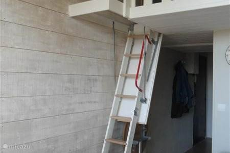 Heerlijk bijkomen landhuis calvados in pont belanger for Trap naar vliering