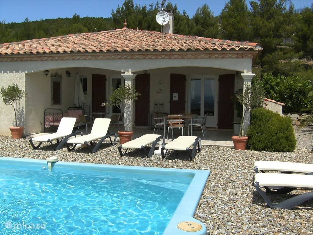 Vacation rental France, Languedoc-Roussillon – villa Le Chat Rouge With Comfort