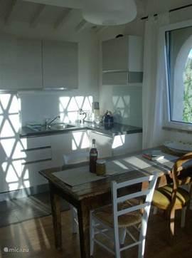 De keuken; alles helemaal nieuw.
