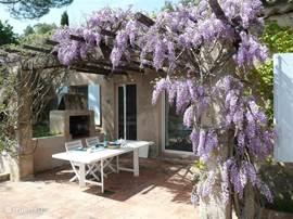Villa villa 77 in grimaud c te d azur frankrijk huren - Pergola provencaalse ...