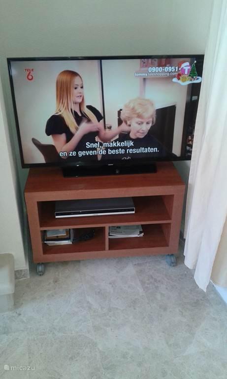 Nieuwe Smart Samsung led tv. met Nederlandse zenders.