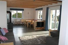 Bright living room, Dutch TV channels available!