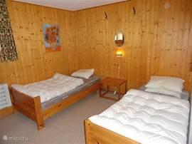 Twee losse bedden op slaapkamer 2