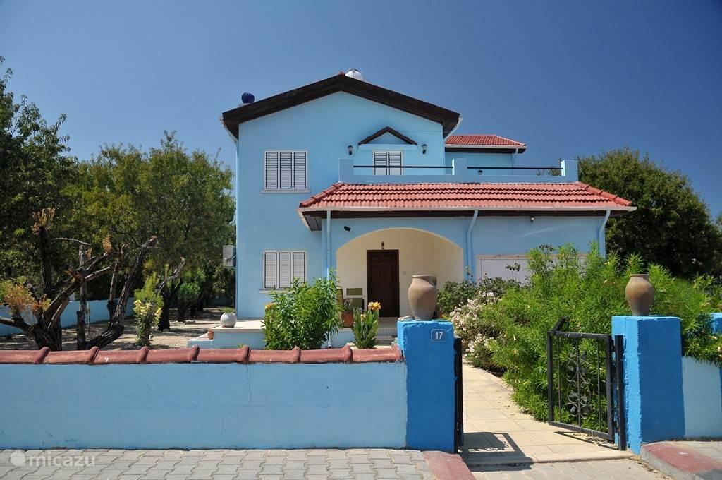 Vakantiehuis Cyprus, Noord-Cyprus, Alsancak, bij Girne/Kyrenia - villa Villa met privé zwembad