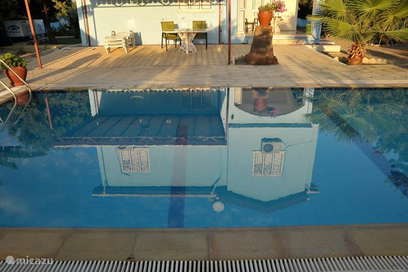 Vakantiehuis Cyprus, Noord-Cyprus, Alsancak, bij Girne/Kyrenia Villa Villa met privé zwembad