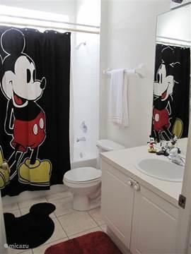 Gedeelde badkamer bij slaapkamer 3 en 4