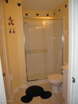 Badkamer bij slaapkamer 3