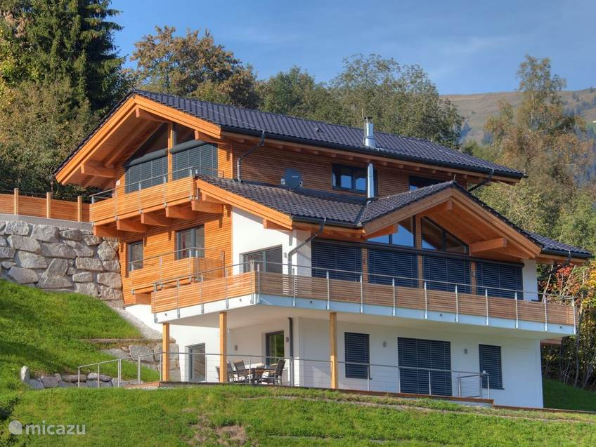 Alpine Chalet am Wildkogel. Appartement Kristall is located on the ground floor.
