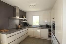 Moderne keuken, van alle gemakken voorzien!