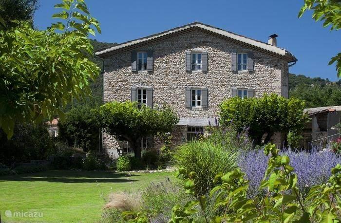 Vacation rental France, Provence, Crestet Holiday house Mas lou Parpaioun