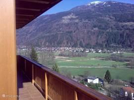 Het op loopafstand liggende dorp Döbriach.