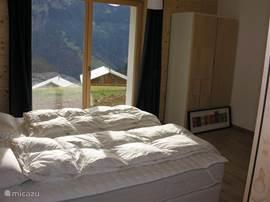 2e slaapkamer beneden