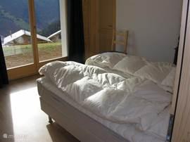 3e slaapkamer beneden
