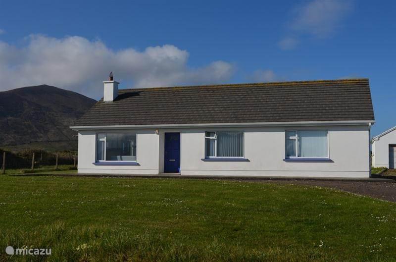 Vacation rental Ireland, Kerry, Ballyferriter Holiday house Coinin House